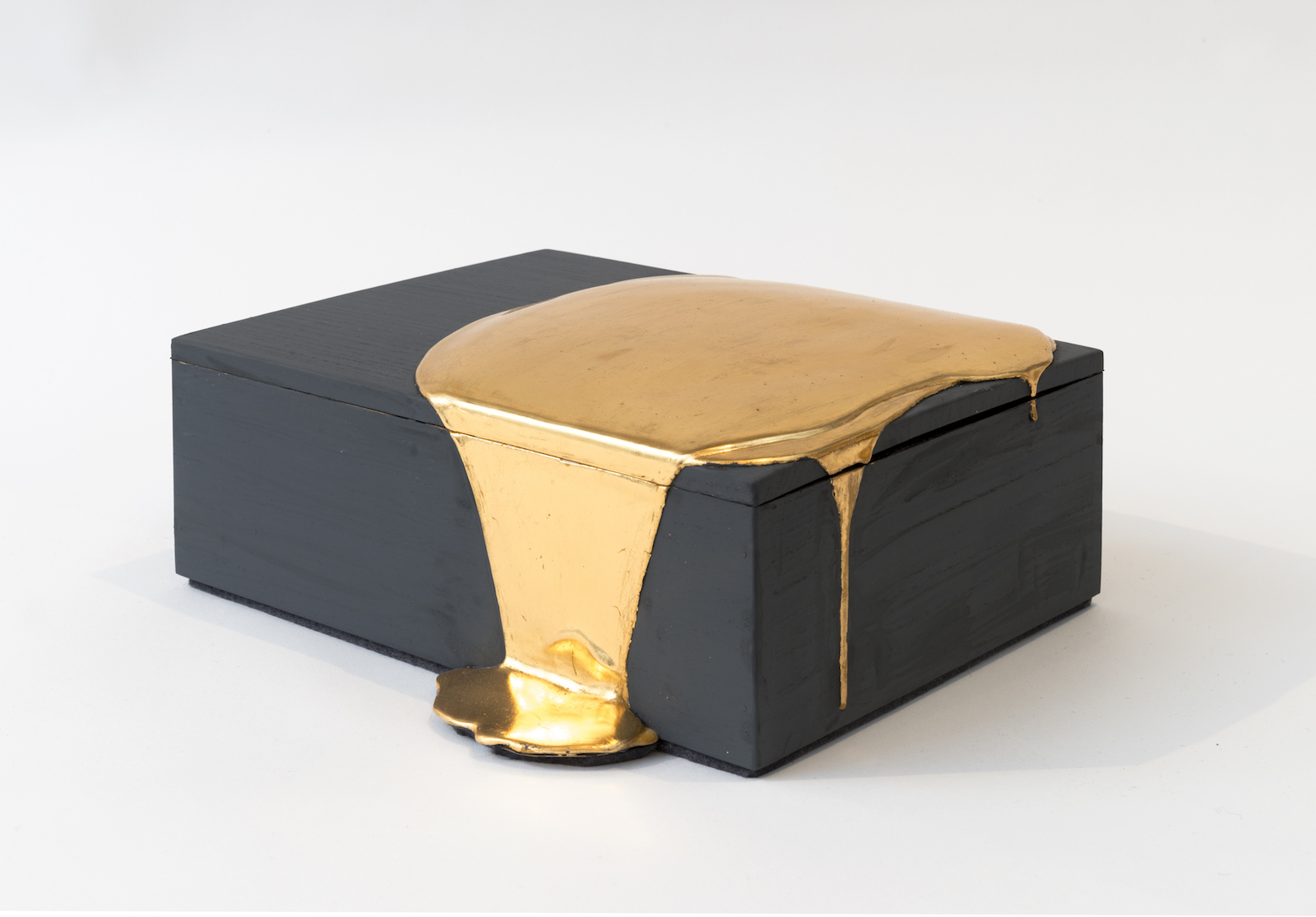 Untitled Red Gold Box, 2016